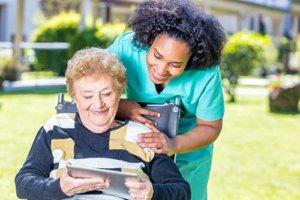 Old women ith nurse